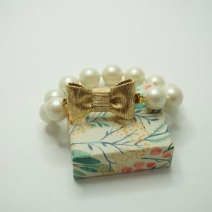 Kate Spade All Wrapped Up Bow Pearl Bracelet- NWOT